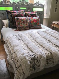 like the head board and the coverlet but not against the window Gypsy River - Moroccan wedding blanket (linked to actual post) Dream Bedroom, Home Bedroom, Bedroom Decor, Moroccan Wedding Blanket, Bohemian Room, Bohemian Bedrooms, Deco Boheme, Boho Home, Moroccan Decor