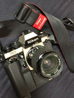 Nikon Film Camera, Camera Gear, Nikon Cameras, Leica Photography, Photography Camera, Photography Essentials, Photography Equipment, Old Cameras, Vintage Cameras