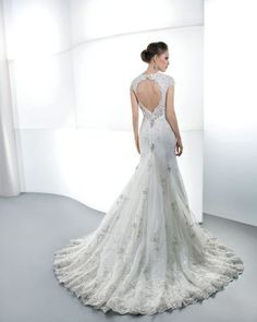 Wedding Dresses Dresses for Brides Wedding gown : Wedding Dress - 1444
