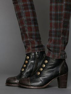 Trousers + military boots.