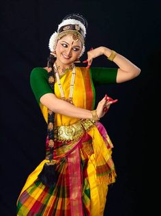 Image result for dancers pose bharatanatyam of manju warriyar