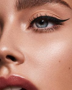"9,629 Likes, 45 Comments - Nikki_Makeup (@nikki_makeup) on Instagram: ""Beauty details with @bellemjohnson @tamarawilliams1 #nikki_makeup #liner #skin #details"""