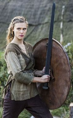 'Vikings' Season 2 - Porunn (Gaia Weiss) trains to be a shield maiden like Lagertha was Viking Woman, Viking Age, Viking Shield Maiden, Gaia Weiss, Viking Series, Fantasy Warrior, Female Viking Warrior, Woman Warrior, Warrior Princess