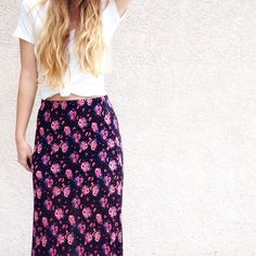 """black floral maxi skirt offers welcome size medium black floral print maxi skirt with tiered hem. waist stretches from: 13-21"""", hips: 19"""". •080045•  instagram: @xomandysue Forever 21 Skirts Maxi"""