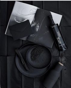 All black aesthetic Black And White Aesthetic, Black N White, Matte Black, Color Black, Charcoal Black, Black Style, Organizar Instagram, Catty Noir, Applis Photo
