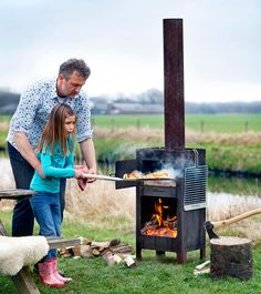 Outdooroven oven, fireplace and barbeque-grill in one Weltevree Pizza Oven Outdoor, Outdoor Cooking, Gas Bottle Wood Burner, Barbeque Design, Garden Pizza, Open Fire Cooking, Outdoor Garden Furniture, Summer Kitchen, Backyard Retreat