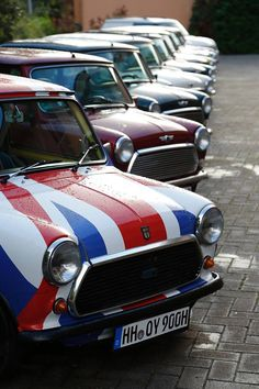 Mini Austin, Kastanienbraun ist am besten - Smoke Motion Classic Mini, Classic Cars, Minis, Mini Countryman, Mini One, Cute Cars, Mini Cooper S, Mini Things, Motor Car