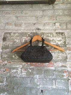 Pochette noir sac c. 1950 perlé par MinaLucinda sur Etsy