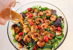 A quick and easy recipe for Southwest Shrimp Salad with Spicy Honey-Lime Dressing. A healthy game day recipe. Clean Eating Recipes, Healthy Eating, Cooking Recipes, Healthy Recipes, Healthy Salads, Easy Recipes, Spicy Shrimp Salad, Shrimp Fajitas, Cold Dinner Ideas