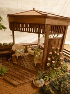 This particular gazebo designs is the most inspirational and outstanding idea Miniature Plants, Miniature Fairy Gardens, Miniature Houses, Miniature Dolls, Modern Dollhouse, Diy Dollhouse, Dollhouse Miniatures, Miniature Furniture, Dollhouse Furniture