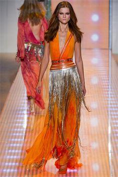 Sfilata Versace Milano - Collezioni Primavera Estate 2013 - Vogue