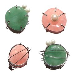 The brooches in green aventurine and rose quarts, front and back by Mayu Iwakami iLiLiP Jewellery