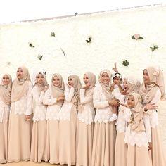 That was so fun became the bridesmaid by aprilia_islamia Bridal Hijab, Hijab Bride, Wedding Hijab, Wedding Gowns, Wedding Prep, Trendy Wedding, Wedding Ideas, Hijab Style Dress, Wedding Highlights