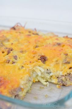 This is the perfect overnight breakfast casserole . Spend 15 minutes the night before, and get a delicious hot meal in the morning!! Breakfast | Easy | Family | Overnight