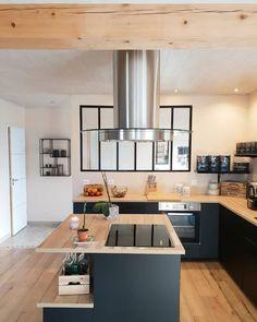32 Open Concept Kitchen Room Design Ideas for Dummies - homemisuwur Ikea Kitchen Design, Kitchen Decor, Room Kitchen, Kitchen Dining, Dining Room, Interior Styling, Interior Decorating, Interior Design, Inside Design