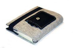 Büchertaschen - Kalender-Buchhülle·☆·Filz&Leder·☆·mit extra Fach - ein Designerstück von Chiquita-Jo bei DaWanda