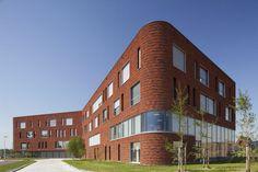 Calvijn green heart school for secondary education in Barendrecht by Mecanoo