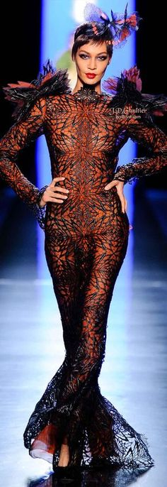 Jean Paul Gaultier Spring 2014 Couture is filled with designs formed around a central theme of butterflies that is supremely imaginative & memorable. Fashion Moda, Fashion Art, High Fashion, Couture Fashion, Runway Fashion, Paul Gaultier Spring, Black Models, Madame, Couture Collection