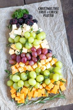 How to make a Fruit & Cheese Platter for Christmas This Christmas Tree Fruit & Cheese Tray is totally customizable and great for holiday parties or just something fun for the kids on Christmas. Christmas Recipes For Kids, Christmas Party Food, Christmas Treats, Holiday Recipes, Christmas Cheese, Christmas Holidays, Christmas Desserts, Christmas Fruit Ideas, Christmas Tables