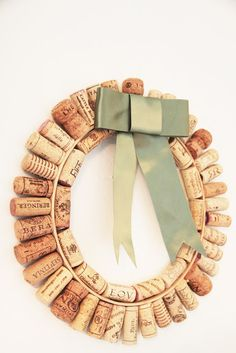 Wine Cork Wreath  Check this out @Lisa Phillips-Barton Phillips-Barton Brewer