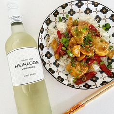 Heirloom Vineyards Pinot Grigio 2019 & 2020 • Travelling Corkscrew Pear Fruit, Pinot Gris, It's Going Down, Orange Chicken, Spanish Food, Wines, Crisp, Travelling, Vineyard