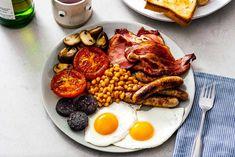 receita café da manhã inglês Breakfast Desayunos, Sausage Breakfast, Balanced Breakfast, Food Styling, Brunch Recipes, Breakfast Recipes, Irish Bacon, Thin Pork Chops, Food Porn