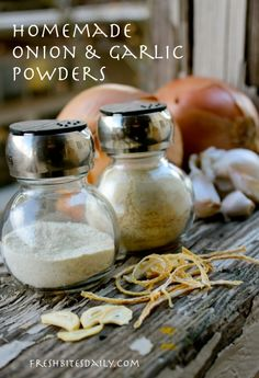 Homemade Onion and Garlic Powders ~ Fresh Bites Daily Homemade Spices, Homemade Seasonings, Seitan, Cooking Tips, Cooking Recipes, Smoker Recipes, Rib Recipes, Just In Case, Just For You