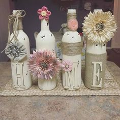 Weinflasche Dekor - New Sites Liquor Bottle Crafts, Wine Bottle Corks, Diy Bottle, Diy Projects With Wine Bottles, Wine Bottles Decor, Crafts With Wine Bottles, Wine Bottle Decorations, Box Decorations, Wrapped Wine Bottles