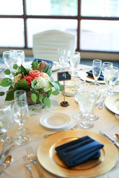 Natural Elements with Gold Accents. Allie Lindsey Photography. The Flower Shop Encinitas. Lomas Santa Fe Country Club Weddings. Country Club Receptions.