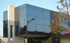 Den Jyske Sparekasse i Ikast | Glassolutions - Glasset der blev benyttet til projektet var Cool-Lite TB 130 til facaderne samt Planitherm Ultra N til termoruderne