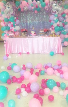 Unicorn party for Xime Unicorn Themed Birthday Party, Unicorn Birthday Parties, First Birthday Parties, Birthday Party Decorations, Birthday Ideas, 5th Birthday, Candy Themed Party, Jojo Siwa Birthday, Bday Girl