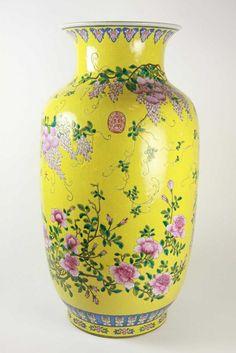 An impressive Chinese famille… - Fine & Decorative Arts - Philips Auctions Australia - Antiques Reporter