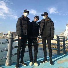 Ulzzang Boy, Pose Reference, True Beauty, Siblings, Squad, Best Friends, Korea, Winter Jackets, Couples