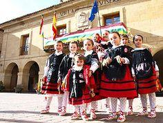 San Vicente de la Sonsierra celebrará durante los próximos días 22, 24, 25 y 26 de enero sus #fiestas patronales en honor a San Vicente y San Vicentico. #FiestasRiojanas