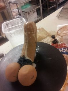 The hair does not naturally gather in one place like a bushy little mustache. | 31 Impossibly Unrealistic Penis Cakes