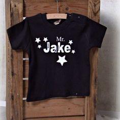 #Baby #shirt met #naam en stoere sterren print