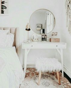 Ideas For Wall Paper Modern Bedroom Interior Design Shabby Chic Bedrooms, Shabby Chic Homes, Vintage Teen Bedrooms, Bedroom Vintage, Shabby Chic Kitchen, Farmhouse Kitchen Decor, Farmhouse Chic, Awesome Bedrooms, Home Decor Bedroom