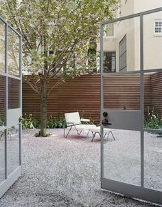 Outdoors: Modern Townhouse Garden Roundup : Remodelista Townhouse gardens in in New York by Steven Harris Architects.