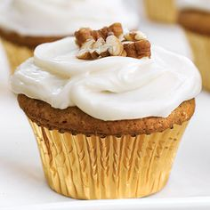 Sweet Potato-Pecan Cupcakes - Sweet and Festive Pecan Desserts - Southernliving. Scrumptious Sweet Potato-Pecan Cupcakes With Cream Cheese Frosting make a delightful sweet ending. Southern Sweet Potato Recipe, Sweet Potato Pecan, Sweet Potato Recipes, Pecan Cupcakes Recipe, Cupcakes With Cream Cheese Frosting, Yummy Cupcakes, Marshmallow Frosting, Caramel Cupcakes, Cream Frosting