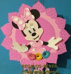 Foamy Minnie wall decoration-  Cartel de pared: Minnie en goma eva