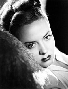 Audrey Totter, 1946, film noir femme fatale.  We Had Faces Then