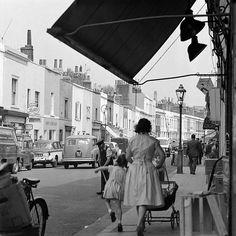 Walton Street, Chelsea, London 1960s Kensington And Chelsea, Chelsea London, Walton Street, Old Photos, Vintage Photos, Vintage Stuff, Victorian London, London History, Greater London