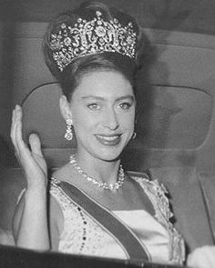 Her Royal Heirness, Princess Margaret ~ Sister to Queen Elizabeth II wearing the diamond Poltimore Tiara. Tiara of Great Britain ~ v Royal Crowns, Royal Tiaras, Tiaras And Crowns, Princesa Margaret, Windsor, Royal Princess, Princess Margaret Wedding, Lady Diana, Poltimore Tiara