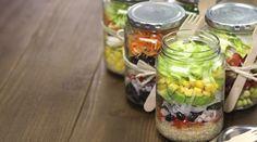 Salada no pote: nutricionista das famosas ensina e fazer marmita que vai a qualquer lugar - Bolsa de Mulher