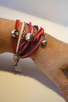 de la boutique AteliersTaffetas sur Etsy Suede, Violet, Rose, Boutique, Bracelets, Leather, Diy, Jewelry, Fashion