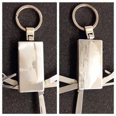 Kuva kaiverrettu avaimenperään Roland MPX-90 kaiverruskoneella. #roland #mpx90 #metaza #kaiverrus #kaiverruskone