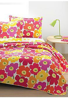 marimekko® Pieni Unikko Pink Quilt - Online Only I can't decide on one pattern!!!