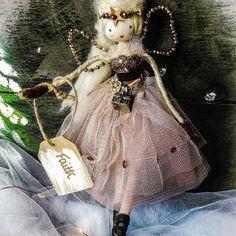 Hand crafted fairy from wood, crystals, nets, lace Christmas Fair Ideas, Christmas Craft Show, Christmas Tree Fairy, Christmas Decor, Ballerina Doll, Clothespin Dolls, Tiny Dolls, Handmade Crafts, Art Dolls