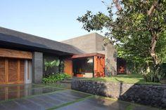 Architects: Wahana Cipta Selaras Location: Jakarta, Indonesia. Lovely space!