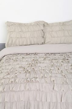Waterfall Ruffle Duvet Cover urban outfitters